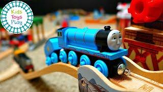 Thomas and Friends Digs and Discoveries Wooden Railway Huge Track Build