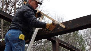 WOODWORK   TIMBER FRAME BASICS   FINISH SETTING PURLIN POSTS FOR THE CABIN